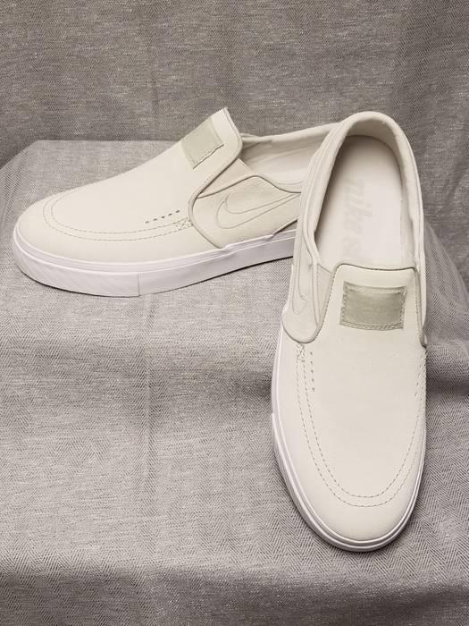 b5594cb5c79 Nike NIKE SB Mens Zoom Stefan Janoski Slip On White Light Bone Sizes 8   9