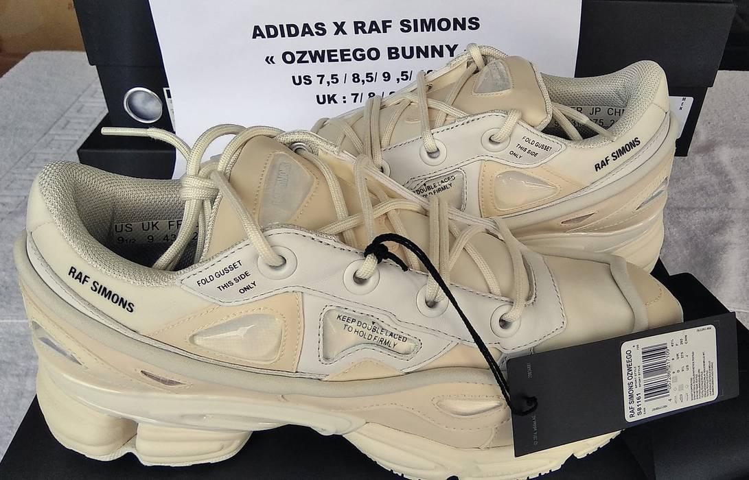 cf49597ce62b Adidas ADIDAS X RAF SIMONS OZWEEGO BUNNY CREAM - DS Size US 8.5   EU 41