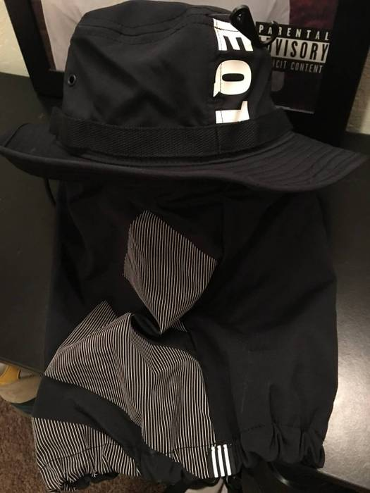 Adidas Adidas EQT Boonie Cap Size one size - Hats for Sale - Grailed 8bfe4129d05