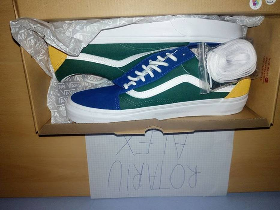 c1246deecff6 Vans Vans Old Skool Yacht Club Size 10.5 - Low-Top Sneakers for Sale ...