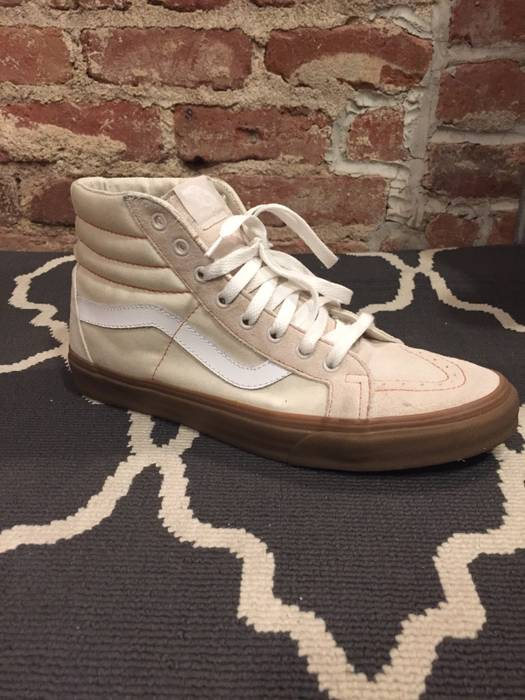 e9e07b497b1dc0 Vans Vans X Urban Outfitters Vans sk8 hi cream with gum sole exclusive sold  out Size