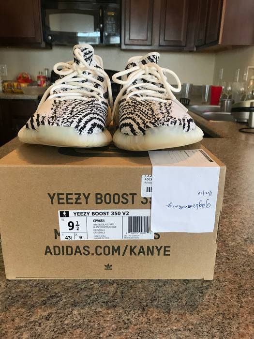 86cb83089ab78 Adidas Yeezy Boost 350 v2 Zebra Size 9.5 - Low-Top Sneakers for Sale ...