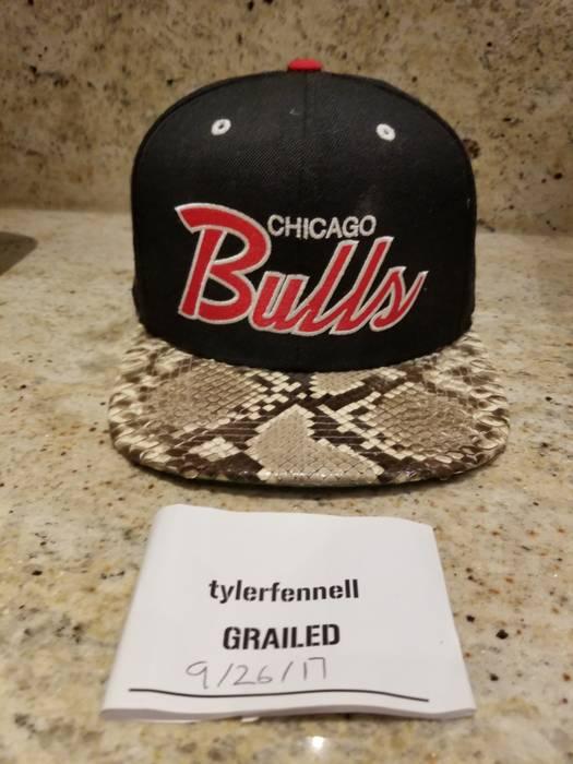 Mitchell   Ness Authentic Snakeskin Mitchell   Ness Chicago Bulls Strapback  Size ... 1c114e4d337