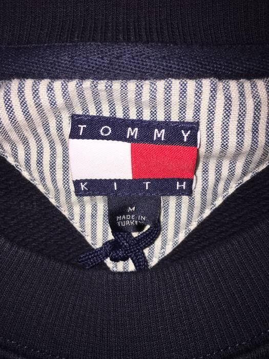 f46c3e976b Tommy Hilfiger Navy Kith x Tommy Hilfiger Crest Crewneck Size M Size US M    EU