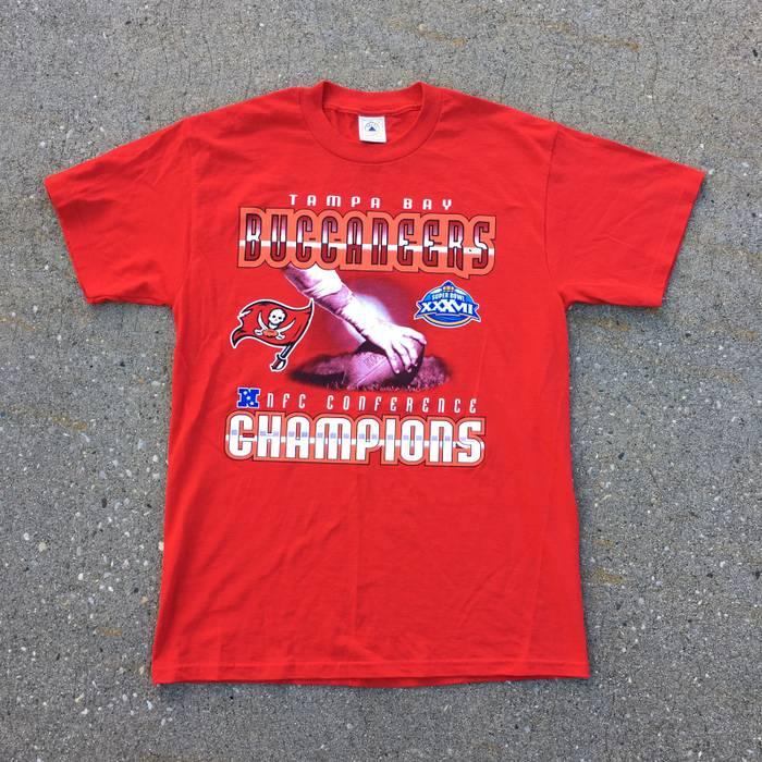 Delta. Vintage Tampa Bay Buccaneers NFC Champions Super Bowl 37 Shirt. Size   US M ... 83dd72819