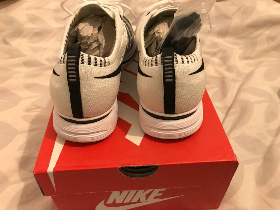 9b9969639161 Nike Flyknit Trainer Size 8.5 - Low-Top Sneakers for Sale - Grailed