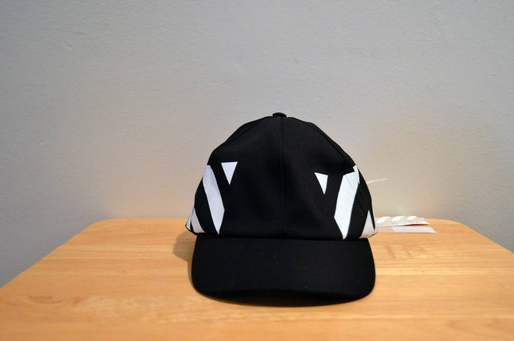 Off-White Stripe Baseball Cap Size one size - Hats for Sale - Grailed 88808f640cd7