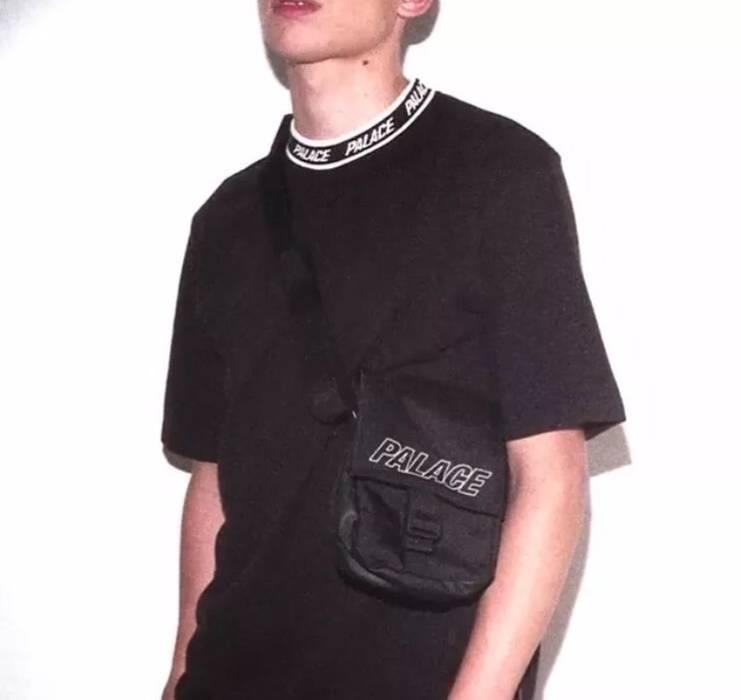 Palace Palace Logo Neck T Shirt Black Size L Short Sleeve T Shirts