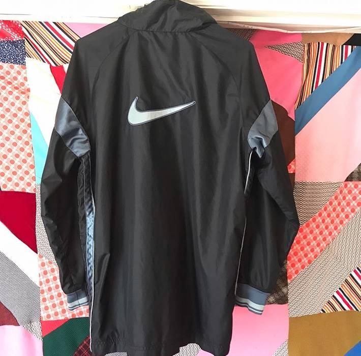 4c400421375c Nike Nike Windbreaker Track Rain Jacket Vintage 90s Size US M   EU 48-50