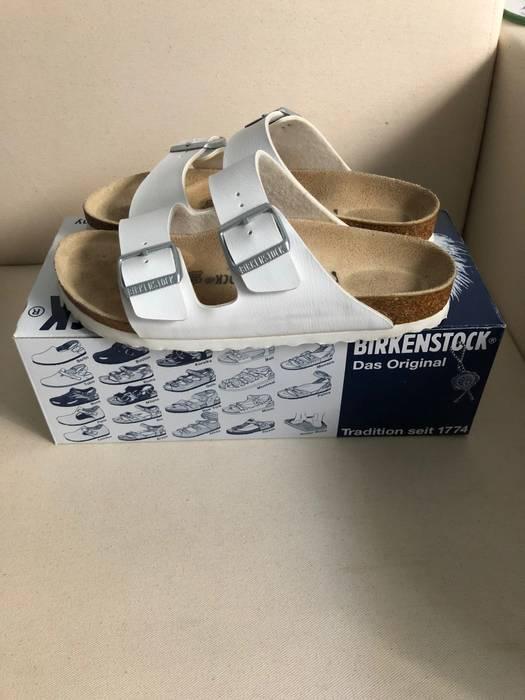 89ef48b04b12 Birkenstock Birkenstock Arizona sandal in white US5.5 EU 38 Size 5.5 ...