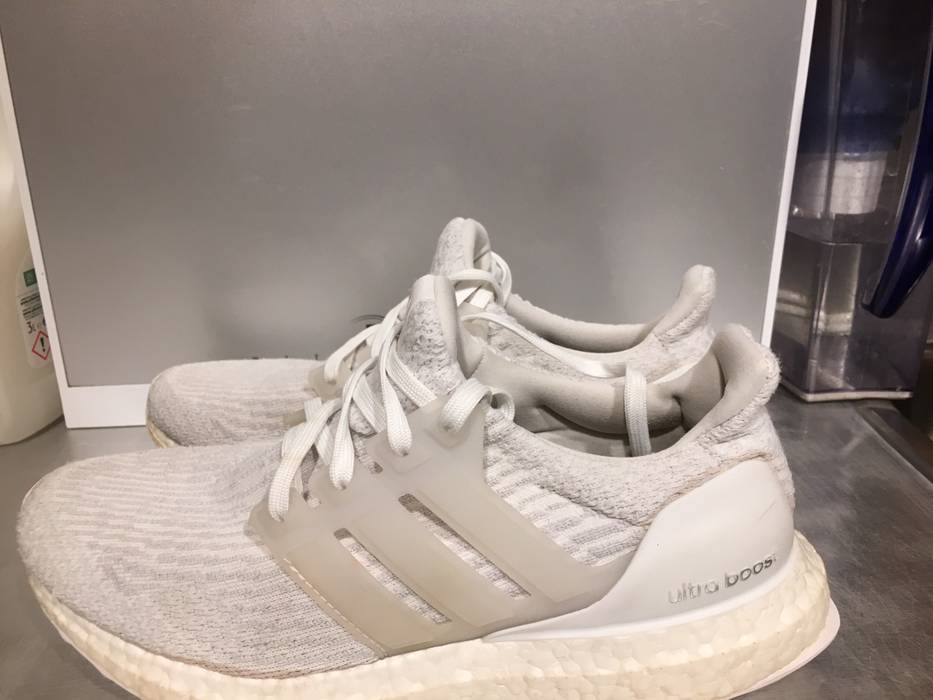 59ccea0adc31 Adidas Adidas Ultra Boost Triple White 3.0 Size 8 - Low-Top Sneakers ...