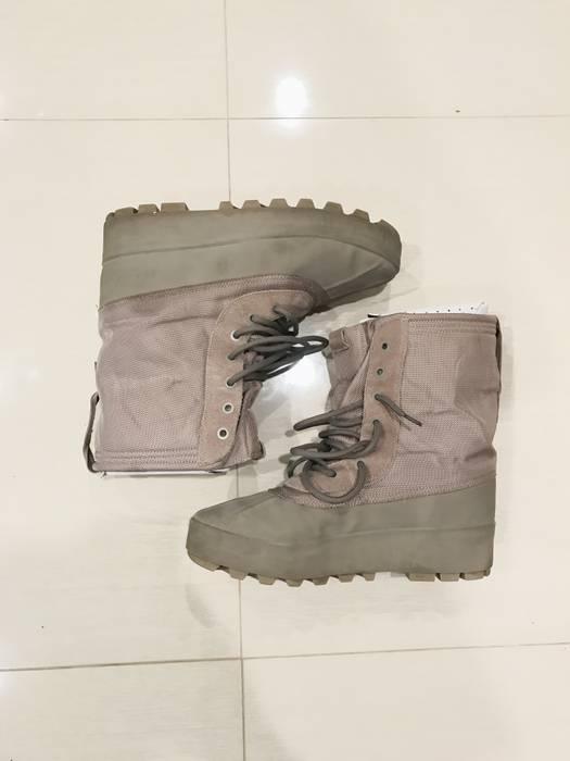 Adidas Yeezy 950 Duckboot Moonrock Season 1 Size 12 - Boots for Sale ... d1ac29b5c