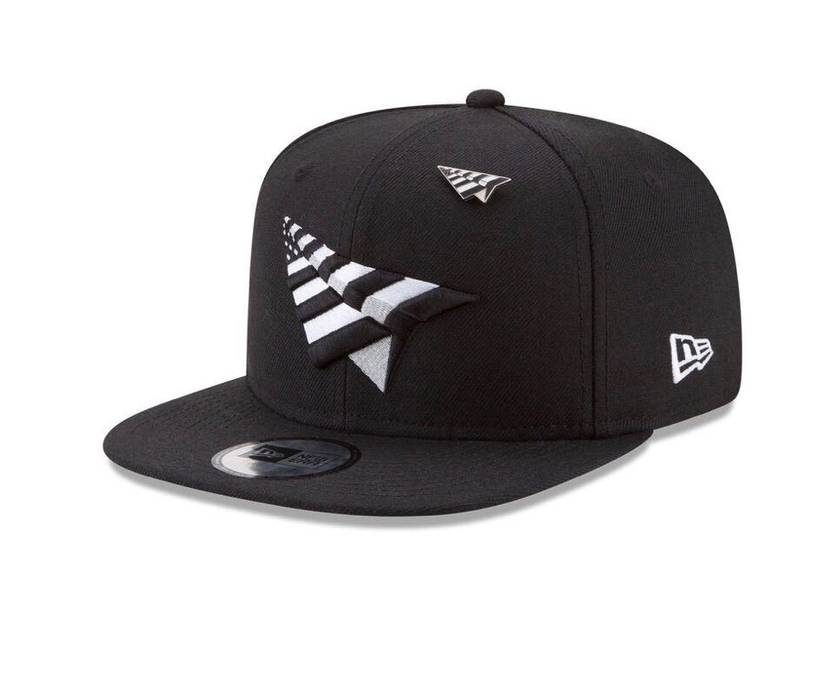 ee2e841aa96 Rocnation. CROWN ORIGINAL 59FIFTY FITTED WITH BLACK UNDERVISOR. Size  ONE  SIZE
