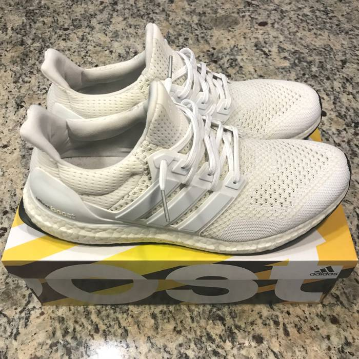 dae56feeb5ad2 Adidas Triple White Ultra Boost 1.0 Size 11 - Low-Top Sneakers for ...