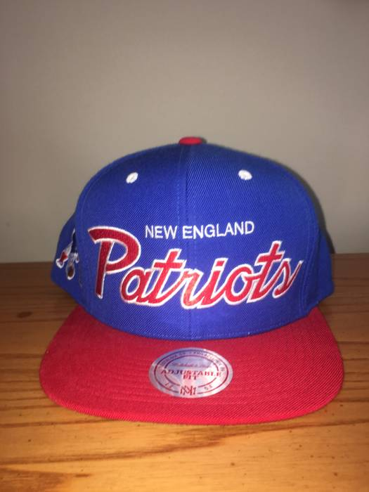 Mitchell   Ness Mitchell   Ness Old School Patriots Hat Size one ... c6cbeb3a6df