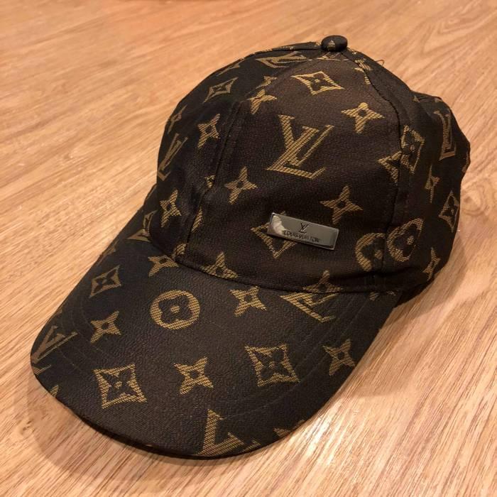 Louis Vuitton Vintage Louis Vuitton Monogram cap Size one size ... d56af0a5655
