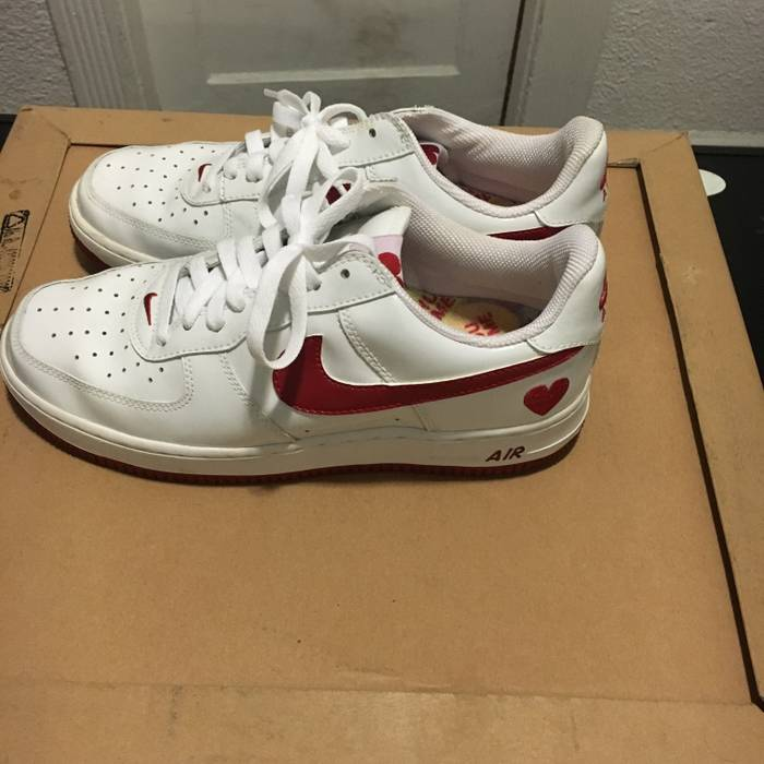 Nike 2004 Valentines Day Air Force Ones Size 9 Low Top Sneakers