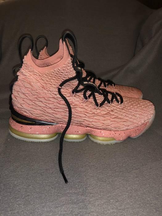 official photos 1fab3 b859d Nike Lebron 15 Hollywood Rust pink Size US 9.5  EU 42-43