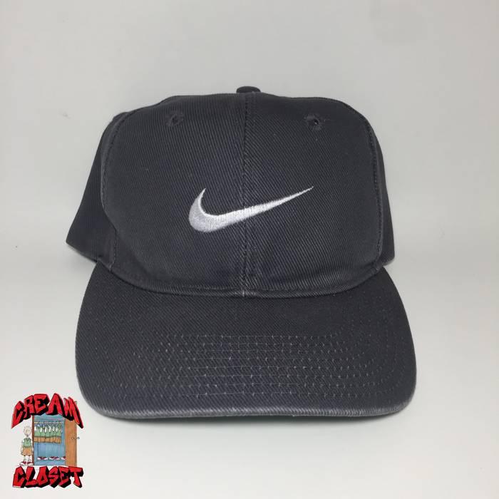 Nike VINTAGE GREY TAG NIKE EMBROIDERED SWOOSH LOGO SNAPBACK HAT CAP ... 15324c44056