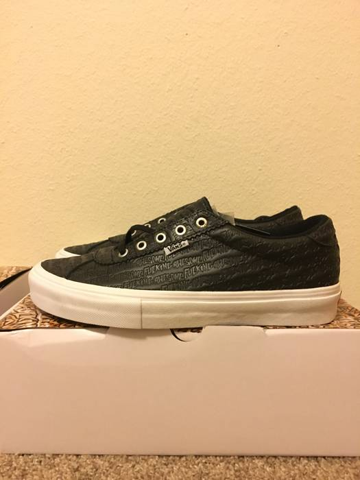 Vans Epoch 94 Size 9.5 - Low-Top Sneakers for Sale - Grailed 876aecdce