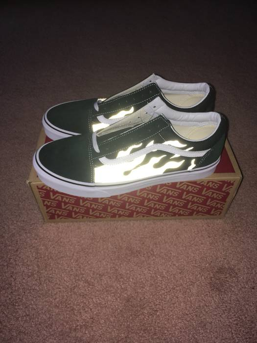 03151893a5e6 Vans Old Skool 3M Flames Custom Size 10 - Low-Top Sneakers for Sale ...
