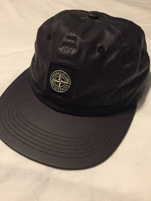 9acd4b6d17b Supreme Heat Reactive Hat Size one size - Hats for Sale - Grailed