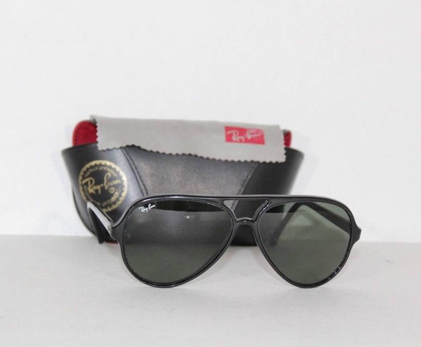 19325495c91c6a RayBan Vintage 70s RAY BAN Bausch   Lomb France Aviator Sunglasses with  Case and Cloth Size