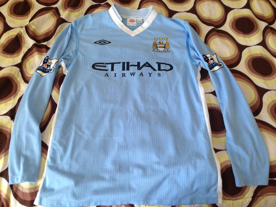 Umbro Man City Balotelli Jersey Size l - Jerseys for Sale - Grailed d8046ba5bc14