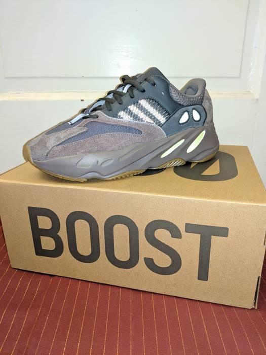 412e37c52e8 Adidas Kanye West Adidas YEEZY BOOST 700 Mauve (Size 9) Size 9 - Low ...