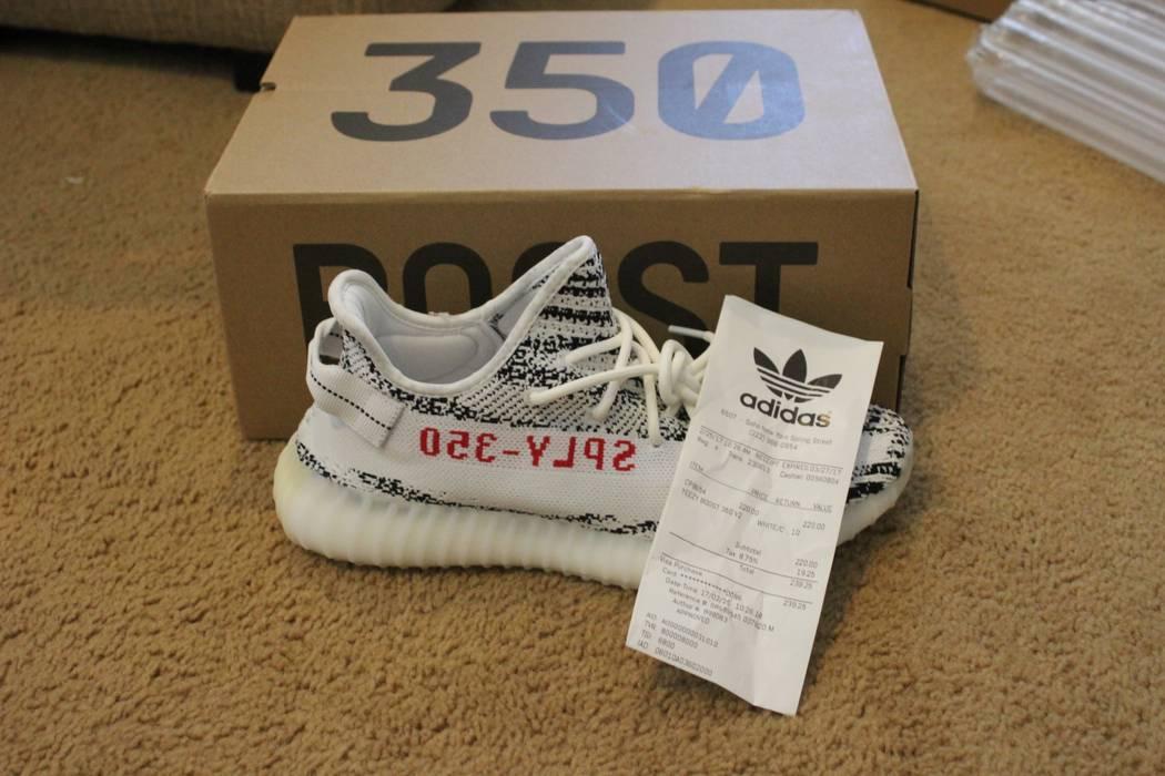 a5e501e72cb0d Adidas Kanye West Yeezy Boost 350 V2 Zebra W Receipt Size 10 - Low ...
