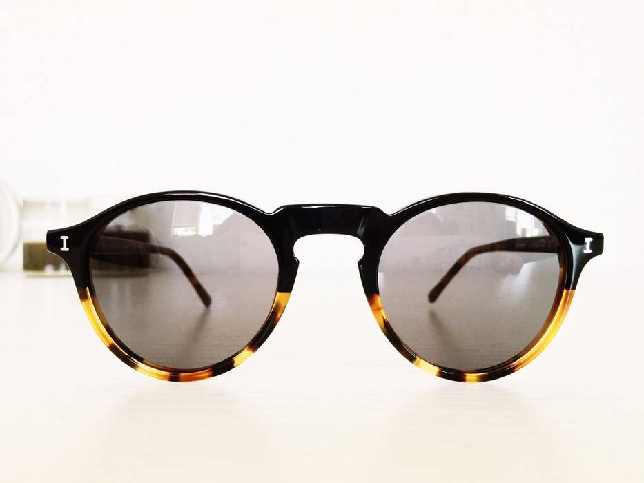 a9b93f7ff2a Illesteva Capri Sunglasses Size one size - Sunglasses for Sale - Grailed