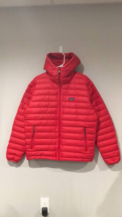 Patagonia Patagonia Down Sweater Hoody Jacket Size M Light Jackets