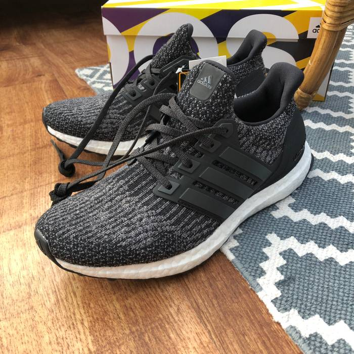 314be539e80f Adidas Ultra Boost J Size 7 - Low-Top Sneakers for Sale - Grailed