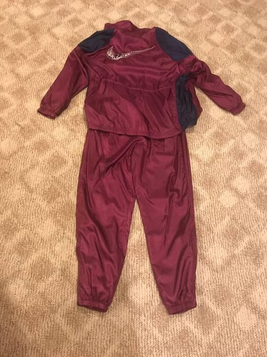 Nike  WOMENS FOOTLOCKER EXCLUSIVE  Vintage Nike Sweatsuit Jacket And Pants  Set Size US S bfe7e68257