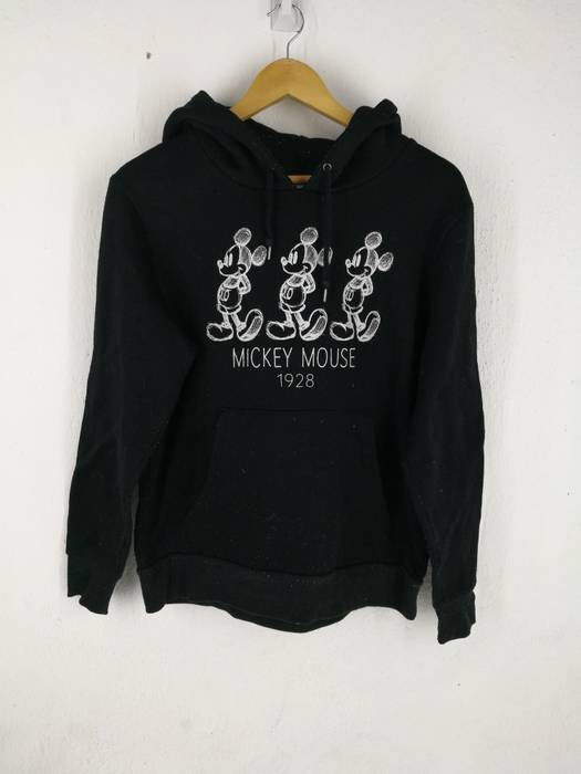 5d10887a0785 Mickey Mouse Mickey Mouse Pullover hoodie Size m - Sweatshirts ...