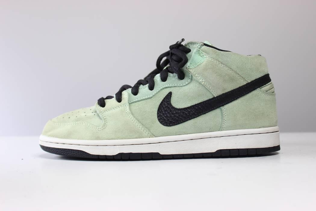 Nike 2009 Nike Dunk SB Mid Ice Green Dark Charcoal Size 10 - Hi-Top ... cf610f105
