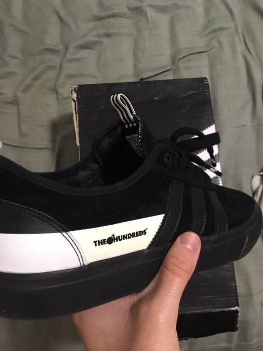 hot sale online 79344 c87c1 Adidas Adidas x The Hundred x Brooklyn Nets Triple Black Ease Size US 10   EU