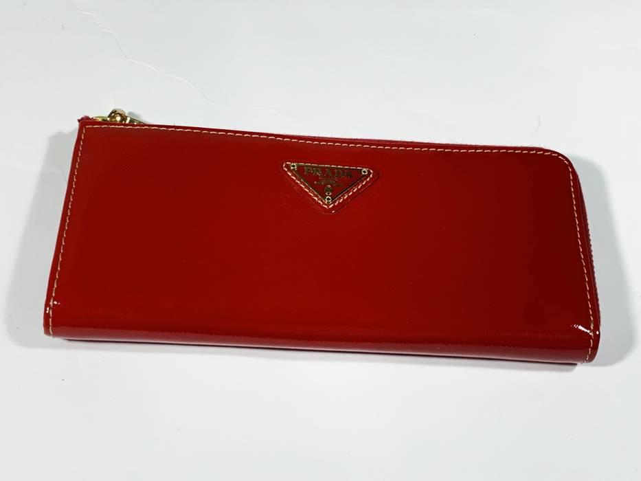 Prada Prada Red Wallet Lampo Riri ZIP Lock Size one size - Wallets ... 72a770f41b