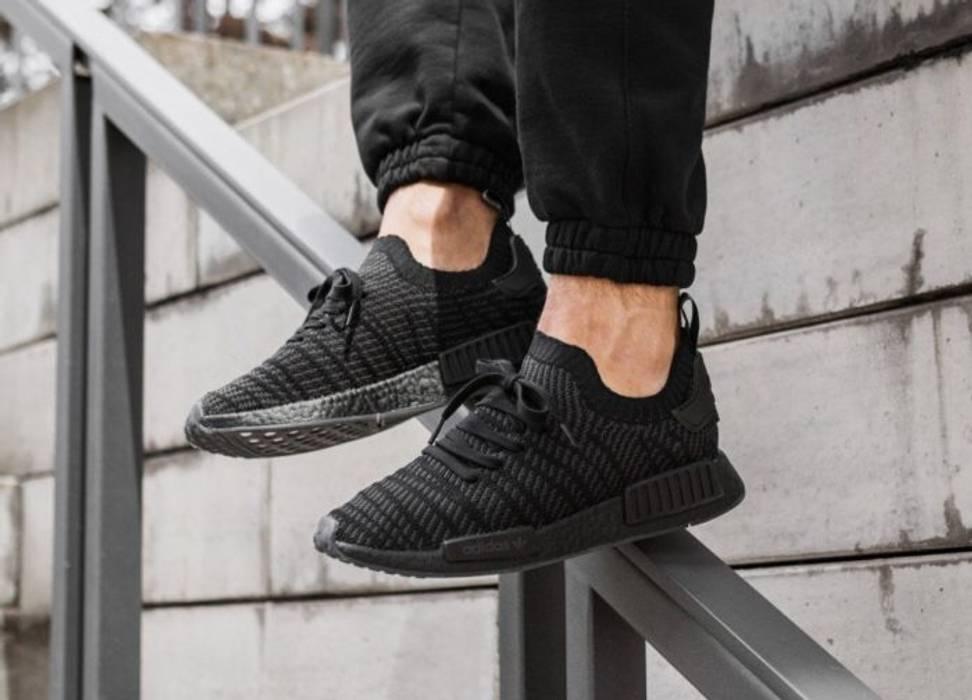 Adidas Adidas Triple Black NMDR R1 STLT PK (CQ2391) Size 8.5 - Low ... 46399309527f
