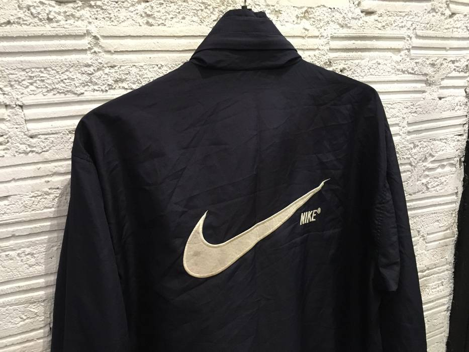 Nike Vintage Nike jacket windbreaker Nike big swoosh logo embroidered black  Good condition Size US L dce9b0180
