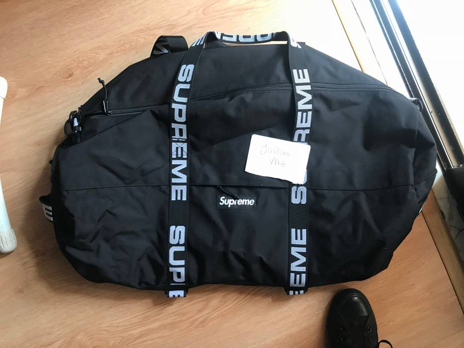 cdd3acc1d5 Supreme Supreme Large Duffle Bag SS18 Size one size - Bags   Luggage ...