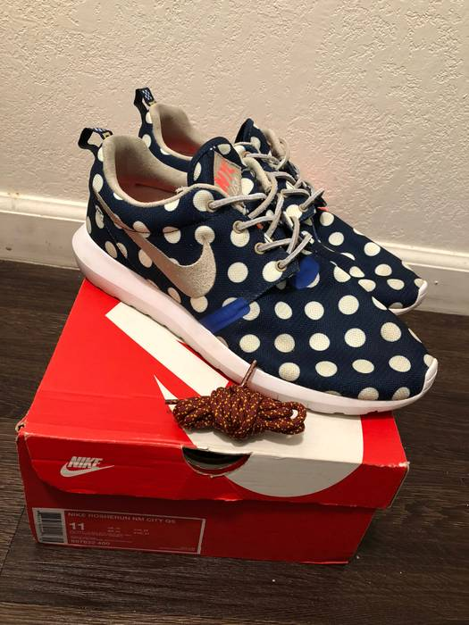45f015560c4de Nike Roshe Run NM NYC City Pack Size 11 - Low-Top Sneakers for Sale ...