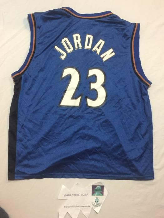 Vintage MICHAEL JORDAN Authentic Washington Wizards Vtg Jersey NBA vintage  Size US M   EU 48 0081a2dee