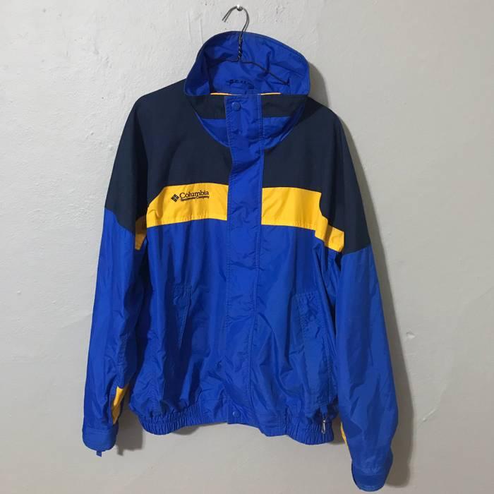 9a17aa809ab Vintage Vintage Columbia Bugaboo Waterproof Jacket in Large Size US L   EU  52-54
