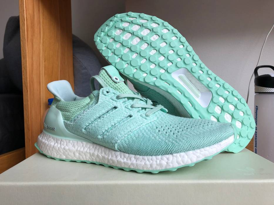 5a563222eac5 Adidas Adidas Consortium x Naked Waves Ultraboost 1.0 Size 9.5 - Low ...
