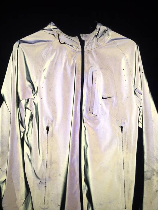 b8d5f5fe9db6 Nike Reversible 3M Vapor Flash Size s - Light Jackets for Sale - Grailed