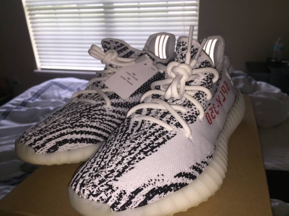 6ec78bd56 Adidas Yeezy Boost 350 V2 Zebra Size 9 - Low-Top Sneakers for Sale ...