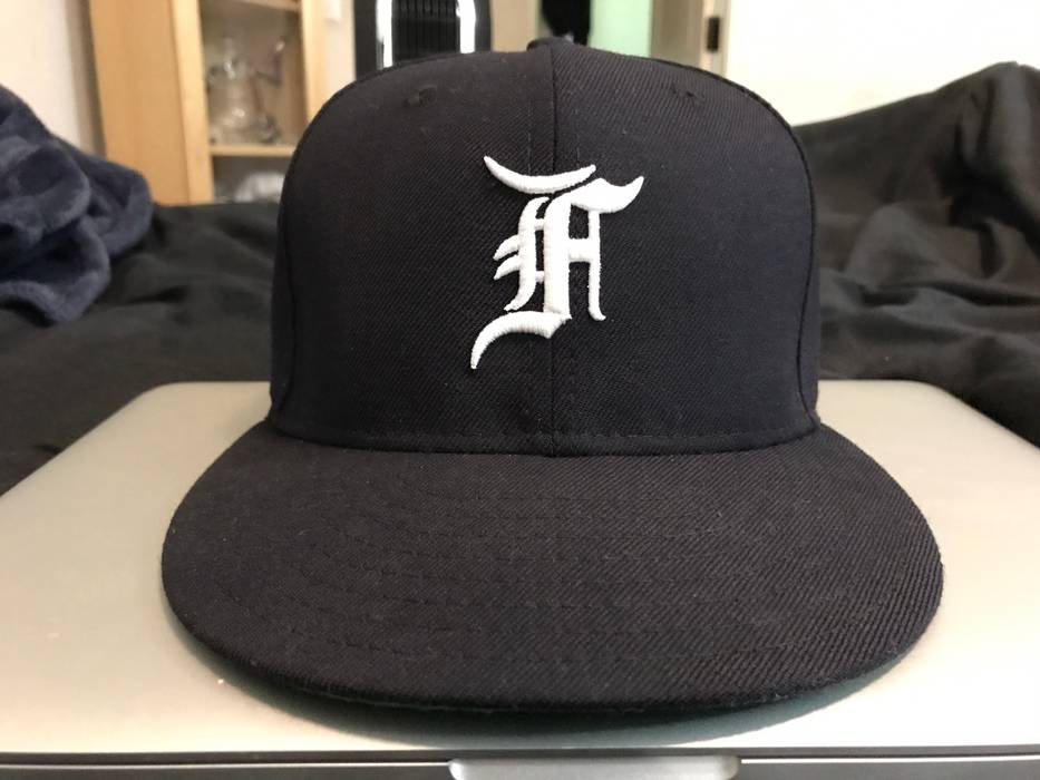 Fear of God New Era Fitted Cap Navy Size 7 1 8 Used Size one size ... 7885c22bd5e