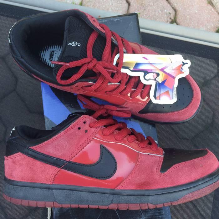 Nike NIKE SB DUNK LOW 10 MILLI VANILLI BLACK RED janoski supreme ... 56befe0e6110