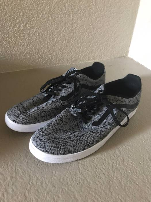57924b1829f Vans Grey Speckled Isos Size 11 - Low-Top Sneakers for Sale - Grailed